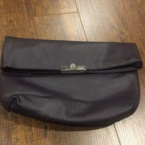 Handbags - NWOT: faux leather soft clutch